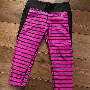 Women's Nike 7/8 Leggings Size Small